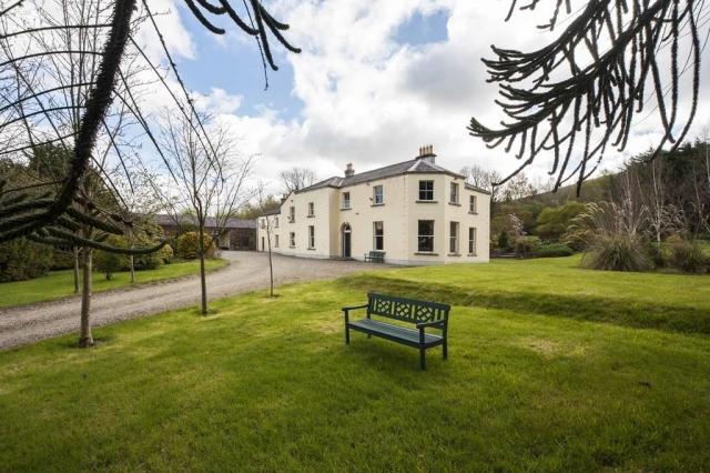 Clone House Event Villa Garden
