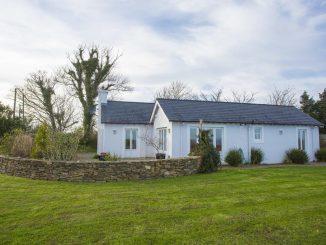 brittas bay holiday homes - Rock Cottage