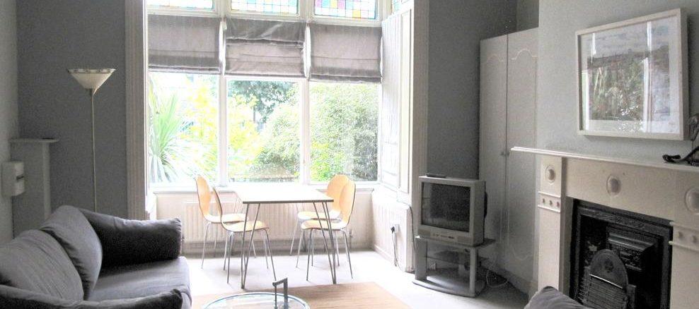 Rosslea Studio Apartments accommodation bray