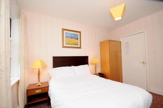 Esplanade Hotel Bray Bedroom 1