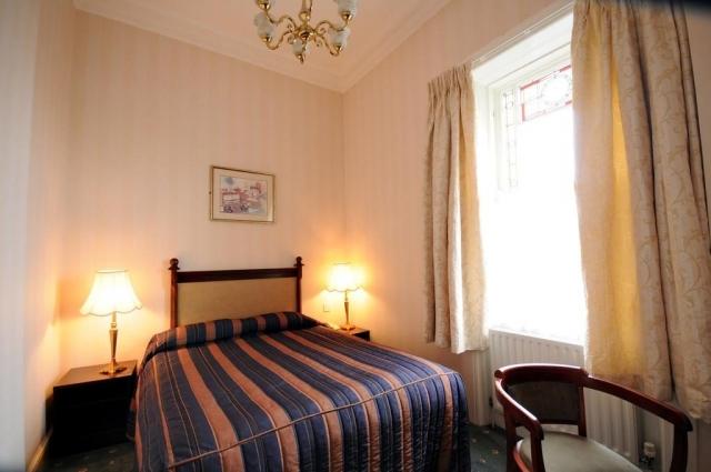 Esplanade Hotel Bray Bedroom 2