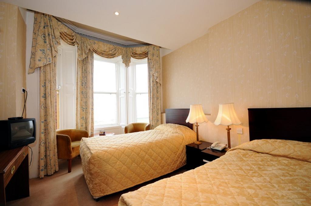 Esplanade Hotel Bray Bedroom 3