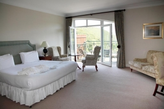 The Glenview Hotel Newtownmountkennedy bedroom 1