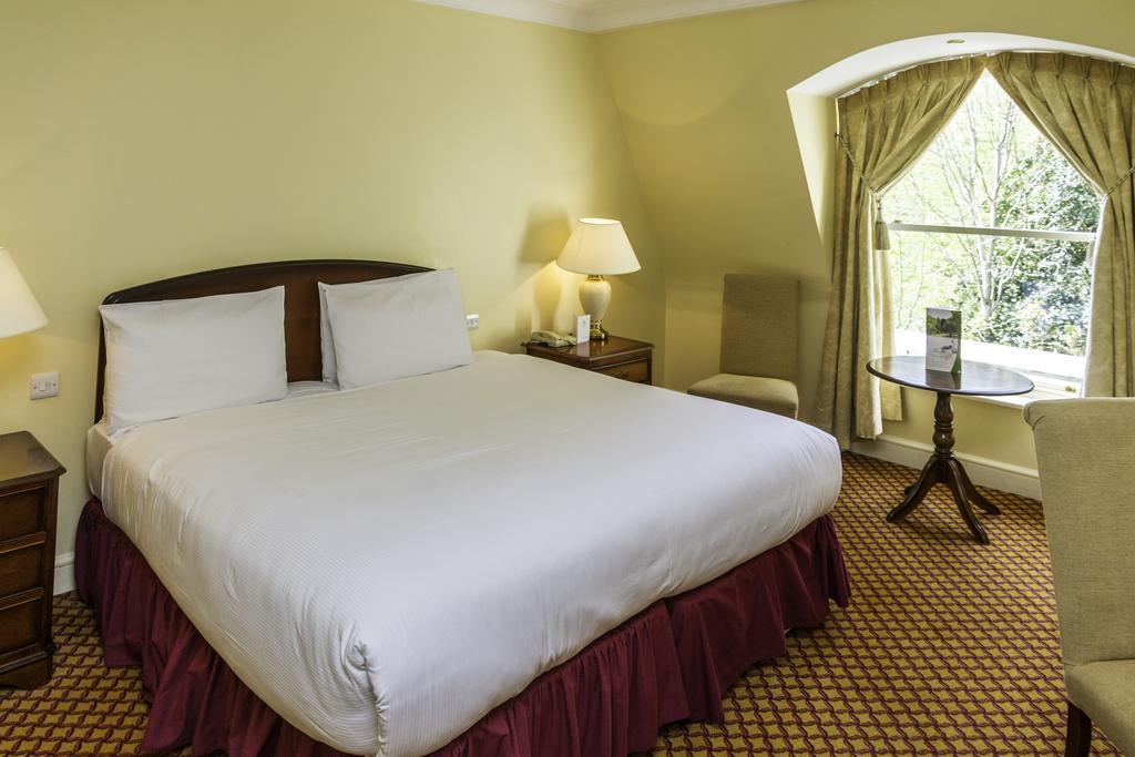 The Glenview Hotel Newtownmountkennedy bedroom 2