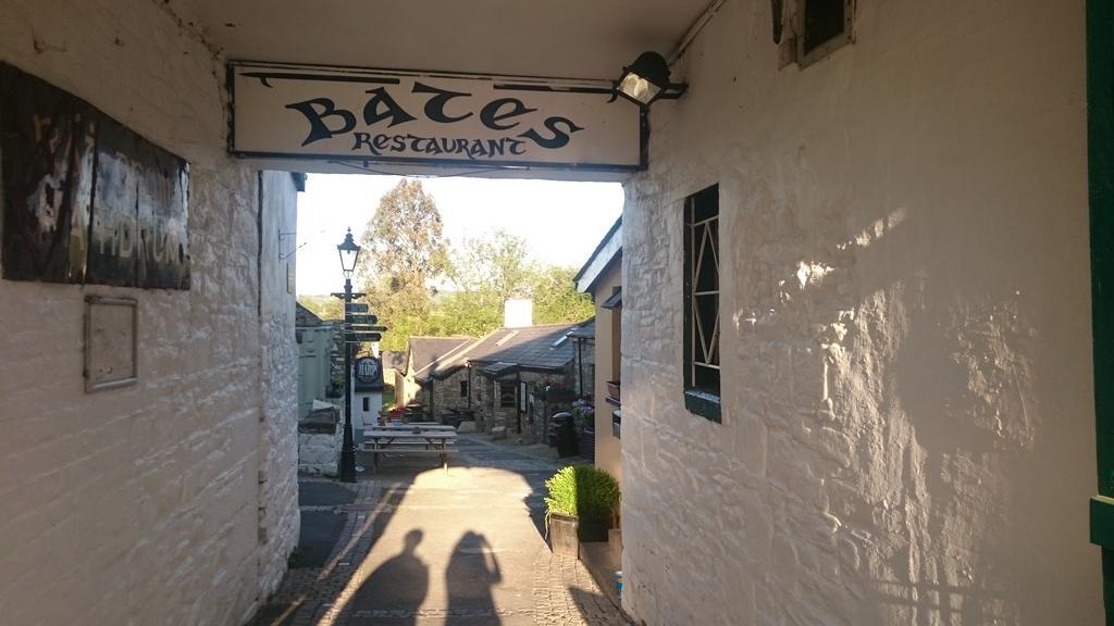 Jacobs Well B&B Rathdrum Bates Restaurant