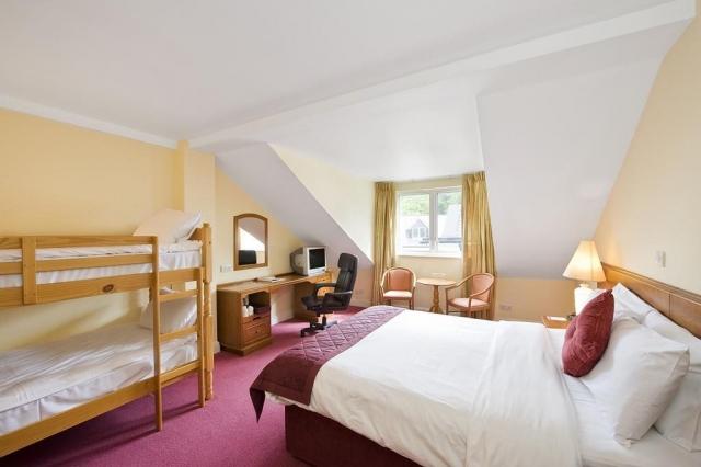 Wilton Hotel Bedroom 3