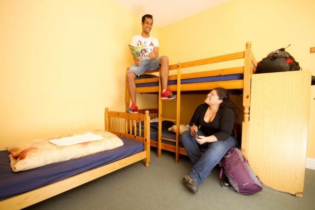 glendalough international youth hostel bunk beds