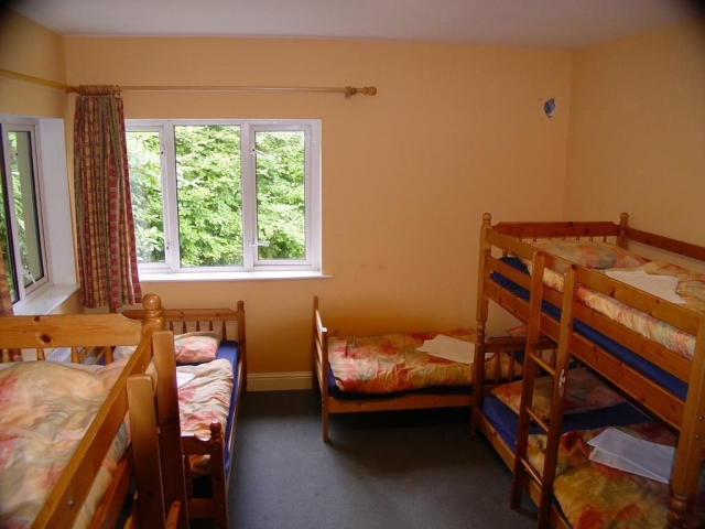 glendalough international youth hostel dormitory
