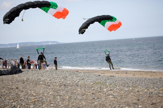 Parachuting at Bray Airshow