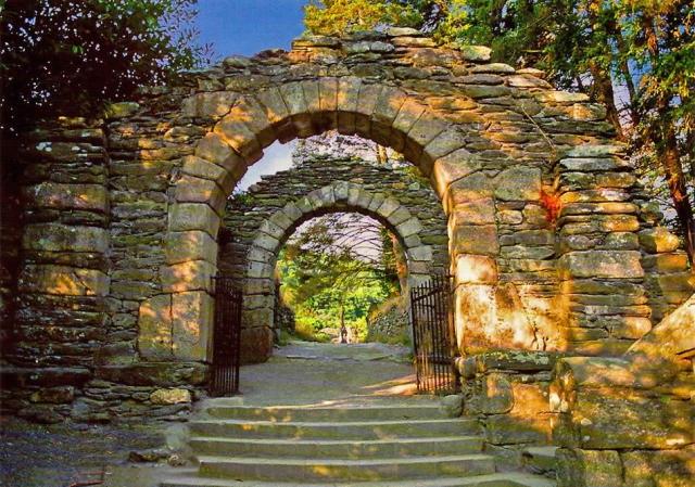 glendalough monastic ruin
